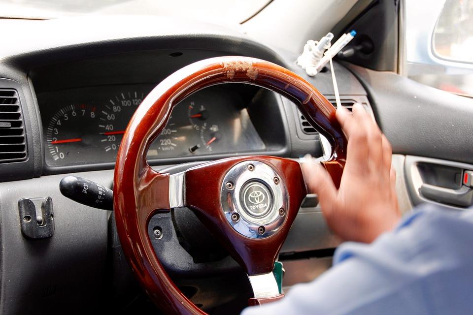 steering-wheel-1128385_960_720