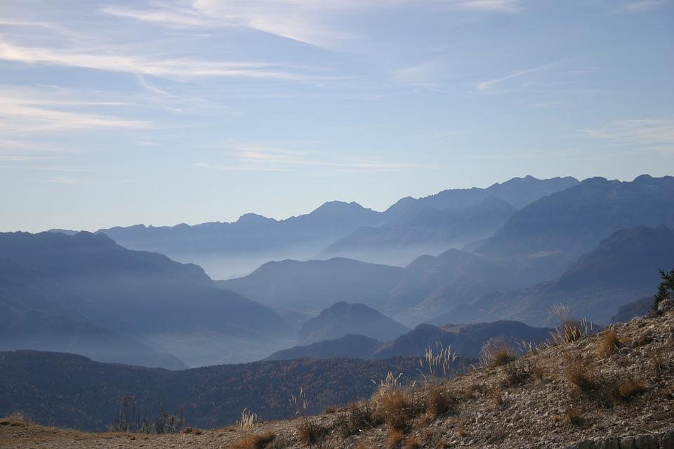 mountains-1287990_960_720